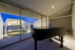 40_ピアノステージからの見通し夜景2.jpg